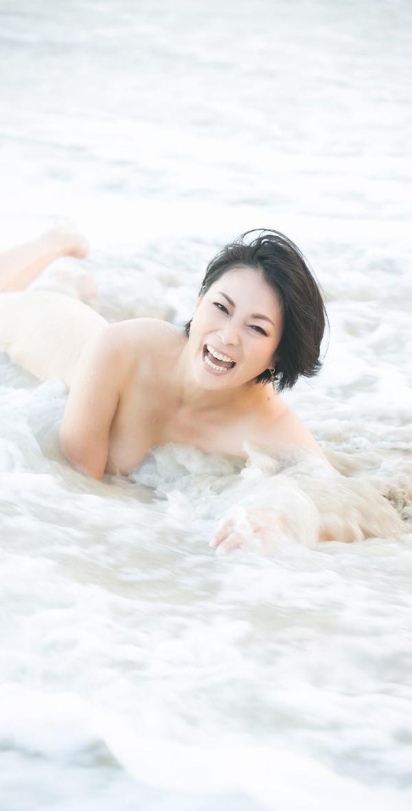 Nude015