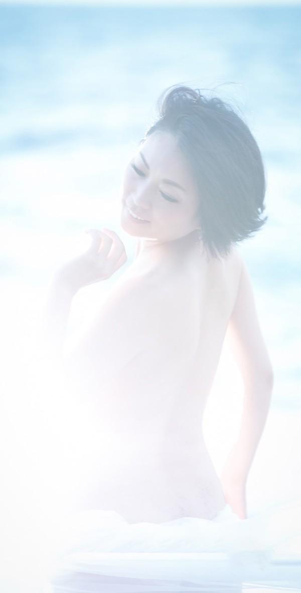 Nude016