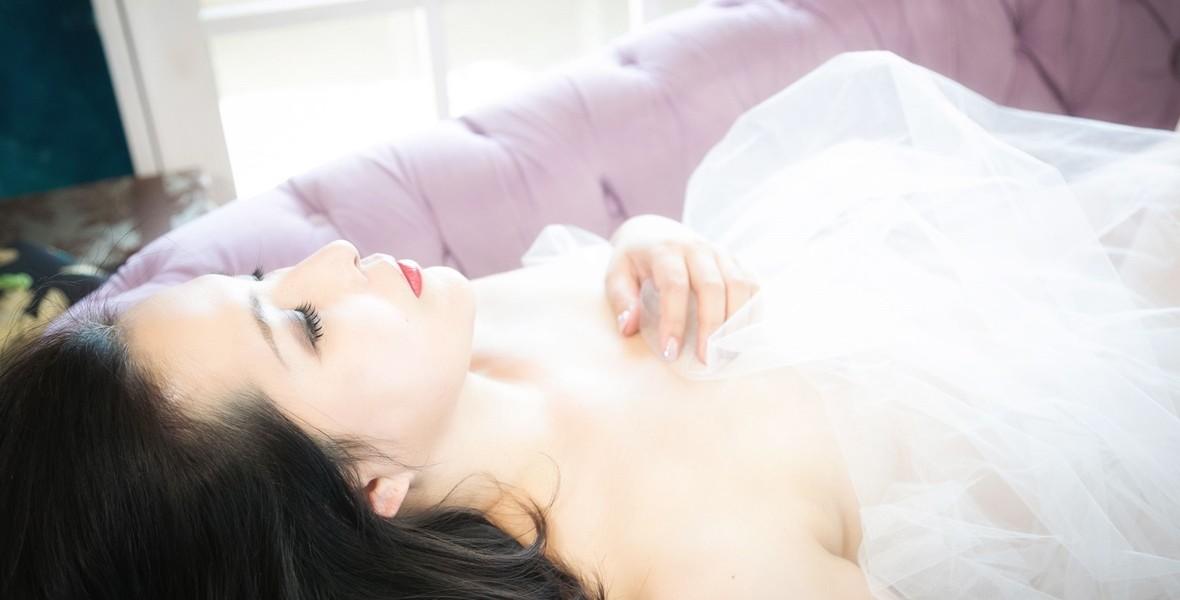 Nude040